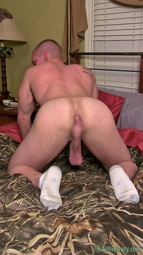 Active-Duty-Muscle-Bi-Sexual-Niko-US-Army-Soldier-Jerking-His-Big-Cock-Amateur-Gay-Porn-10 Amateur 23 Year Old US Army Hunk Jerks His Thick Cock