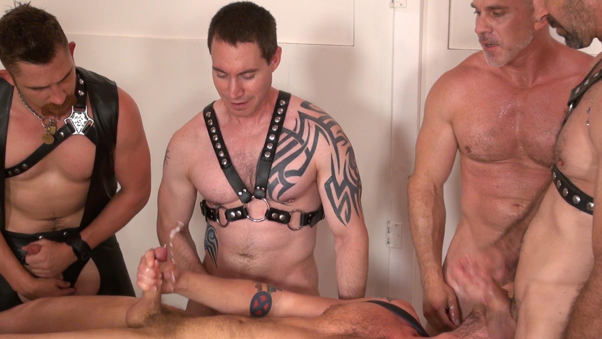 Raw-and-Rough-Jason-Mitchell-Steven-Richards-Sam-Dixon-Blue-Bailey-Dayton-OConnor-Jose-del-Toro-Bareback-Bathhouse-Amateur-Gay-Porn-06 Blue Bailey Getting Fucked Bareback By 5 Guys At A Bathhouse