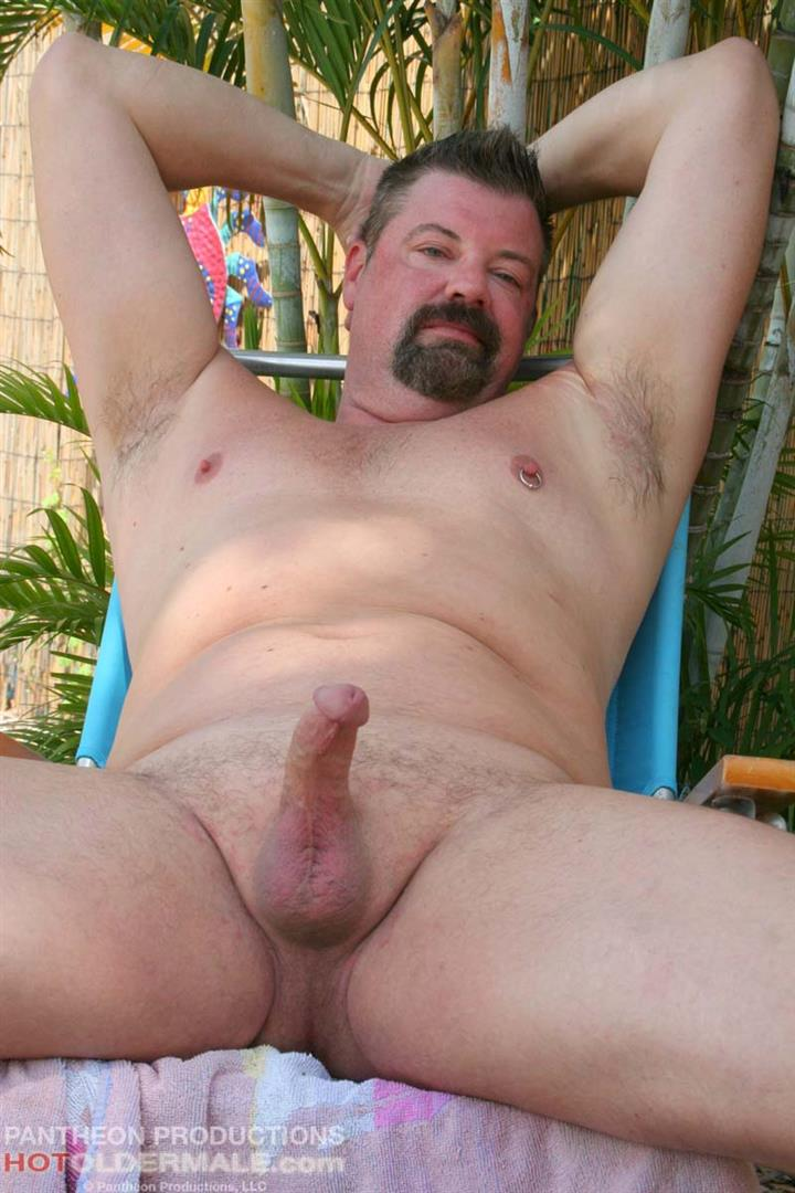 Hot-Older-Male-Mitch-Davis-Beefy-Chubby-Smooth-Daddy-Jerking-His-Thick-Cock-Amateur-Gay-Porn-18 Beefy Smooth Daddy With A Thick Cock Jerking Off