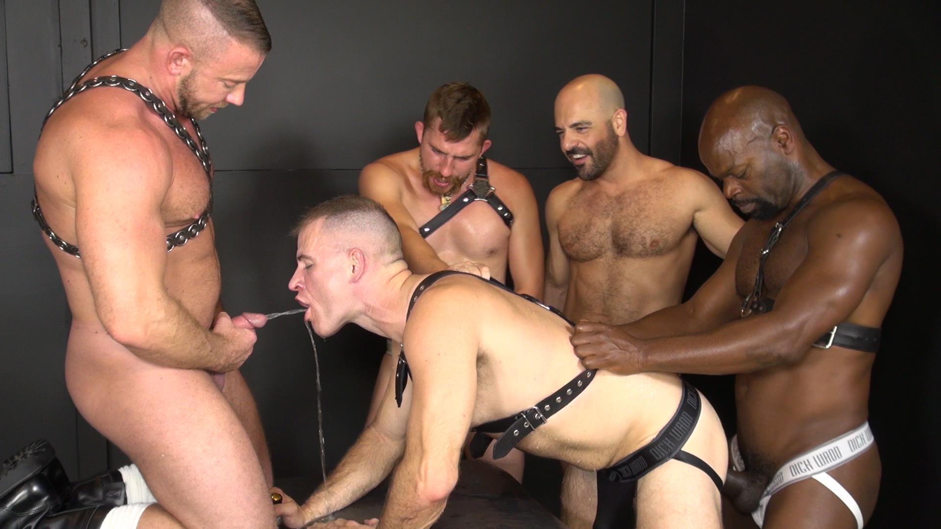 Raw-and-Rough-Ken-Byker-Dayton-OConnor-Trelino-Shay-Michaels-Adam-Russo-Cutler-X-Interracial-Bareback-Orgy-Amateur-Gay-Porn-05 Interracial Bareback Orgy With Adam Russo & Cutler X