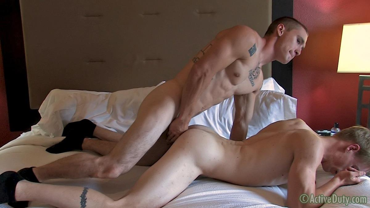 Active-Duty-Drew-and-Tim-Army-Guys-Fucking-Bareback-With-Thick-Cocks-Amateur-Gay-Porn-10 Returning Texas Army Soldier Opens His Ass For A Breeding