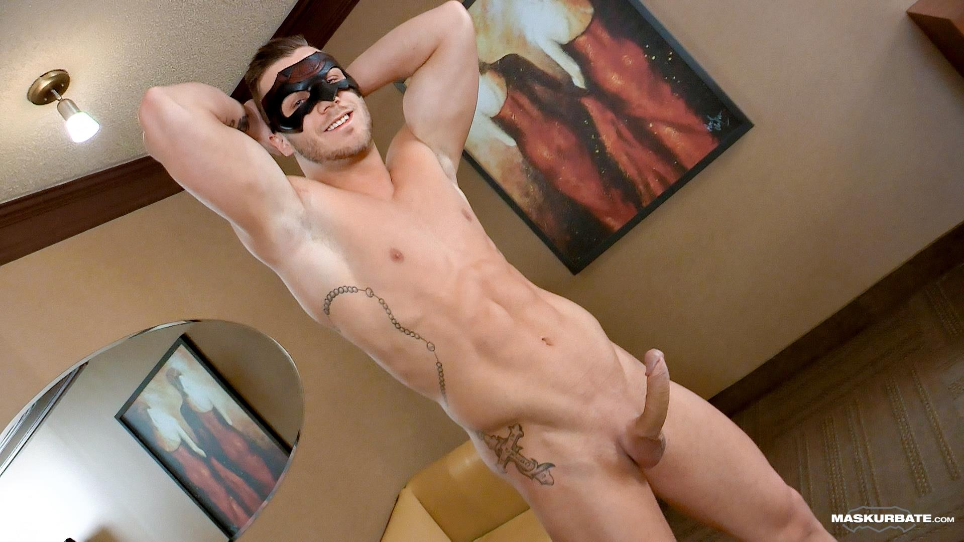 Maskurbate-Mike-Muscle-Hunk-With-A-Big-Uncut-Cock-Jerking-Off-Amateur-Gay-Porn-08 Bi-Curious Muscle Hunk With A Big Uncut Cock Auditions For Gay Porn