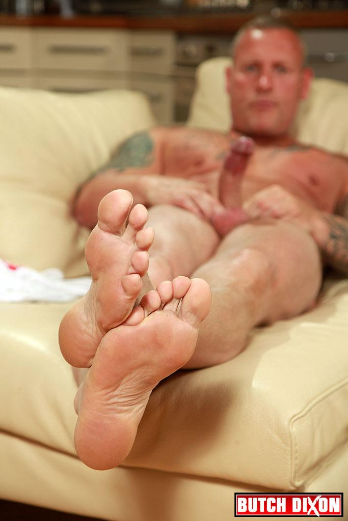 "Butch-Dixon-Big-T-British-Muscle-Daddy-With-A-Big-Uncut-Cock-Amateur-Gay-Porn-16 British Muscle Daddy Jerking Off His Big 9"" Uncut Cock"