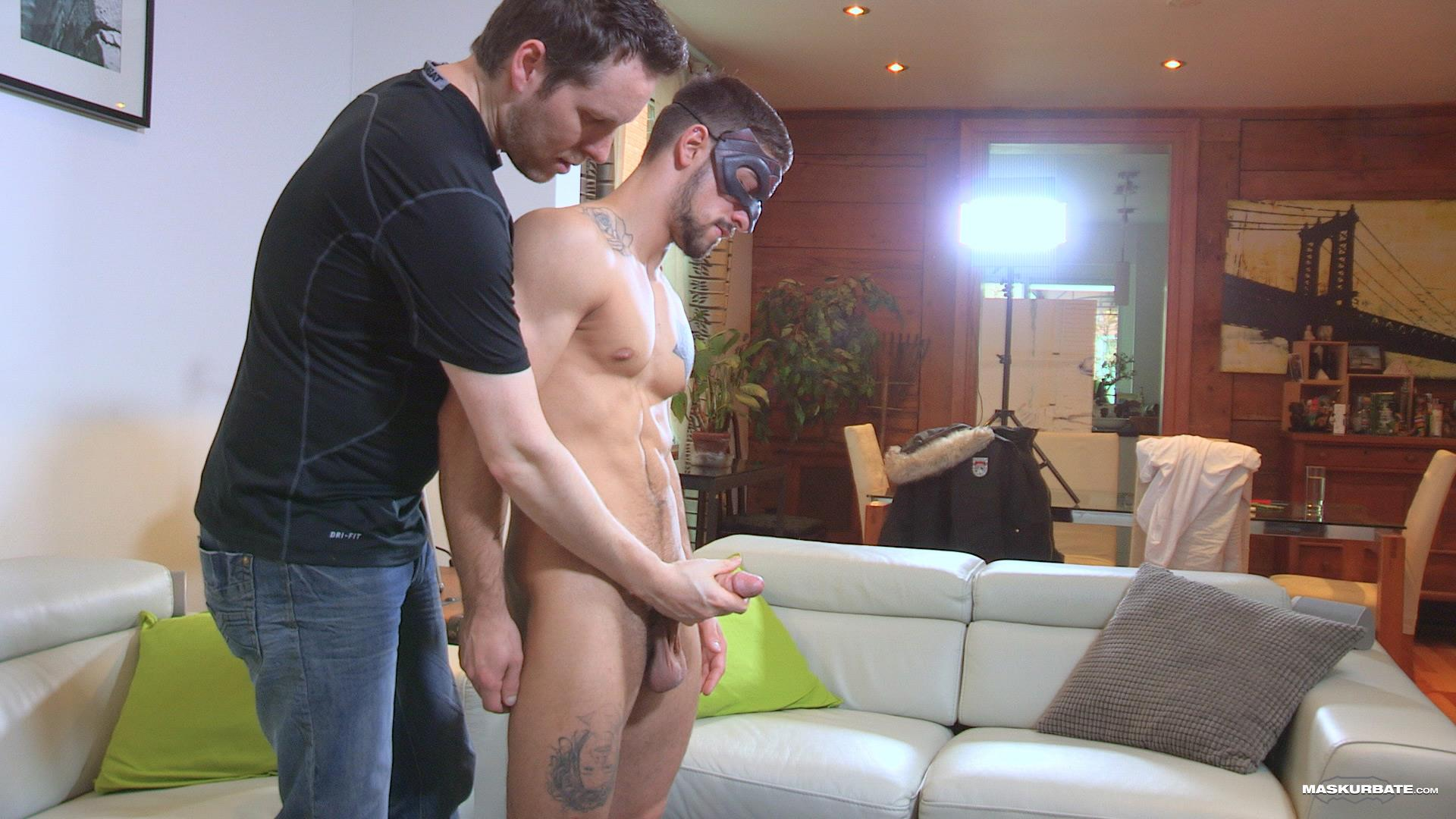 Maskurbate-Carl-Straight-Muscle-Jock-With-A-Big-Cock-Amateur-Gay-Porn-06 Straight Muscle Hunk Gets His First Blow Job From Another Guy