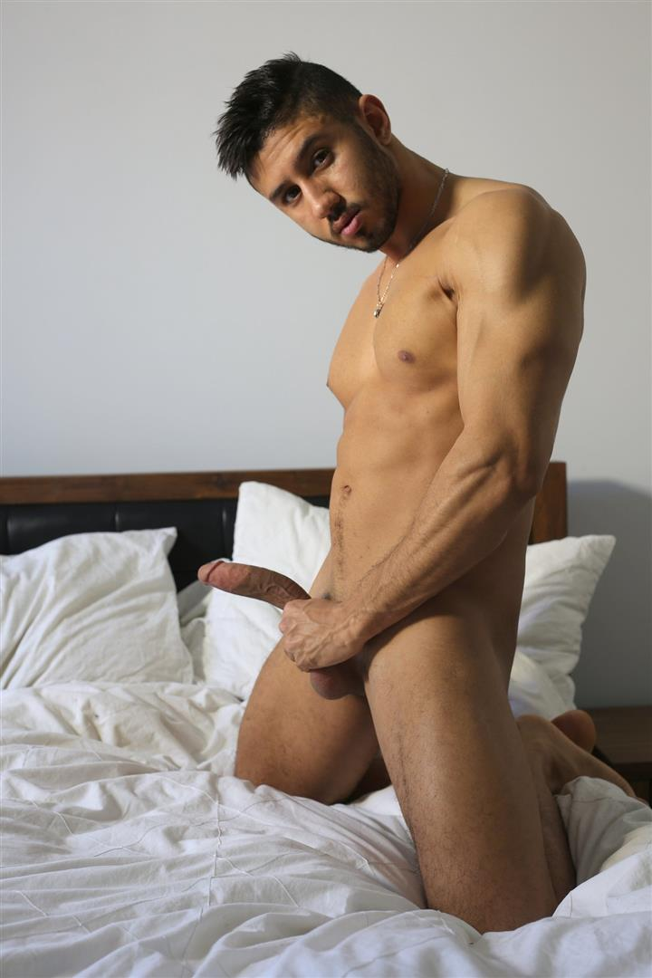 Men-of-Montreal-Malik-Big-Arab-Cock-At-The-Stock-Bar-Pictures-Amateur-Gay-Porn-13 Young Naked Moroccan Man Jerks His Big Arab Cock