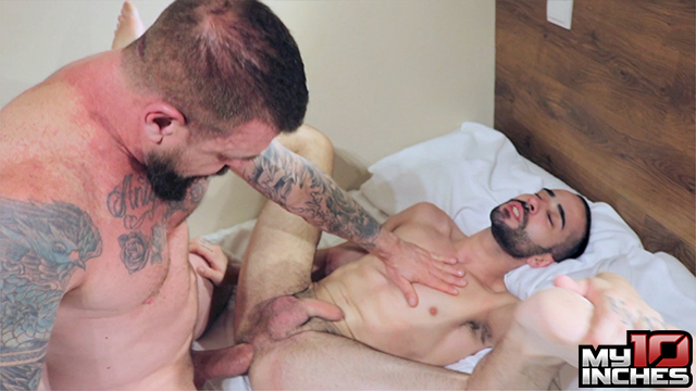 My-10-Inches-Rocco-Steele-and-Rafa-Marco-Big-Cock-Bareback-Sex-09 Muscle Daddy Rocco Steele Breeds A Hot Spanish Ass