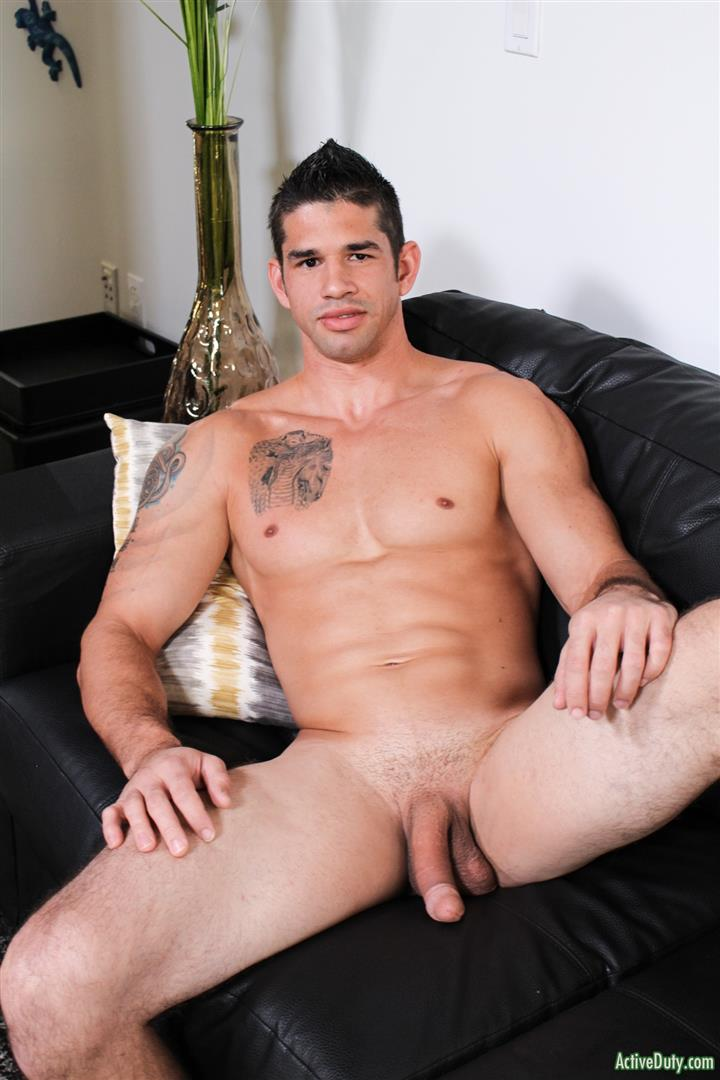 Active-Duty-Jason-Richards-Army-Naked-Soldier-With-A-Big-Cock-05 Check Out The Long Cock On This New Army Recruit